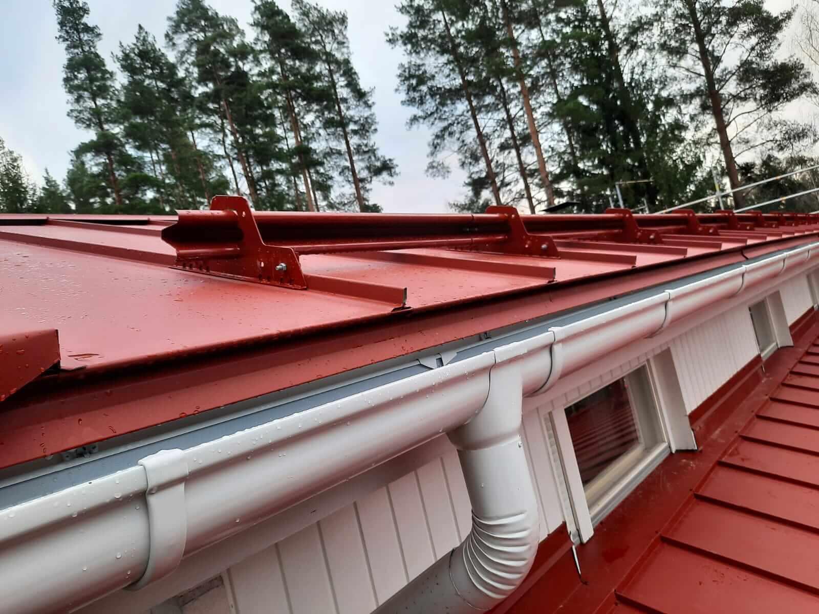 katesepät sadevesijärjestelmä kattoturvatuotteet